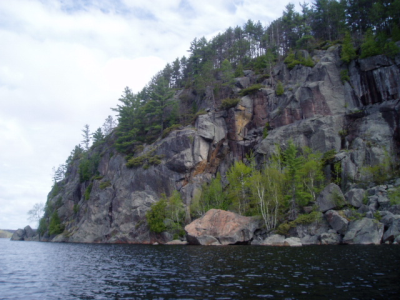 Cliffs on Raven Lake